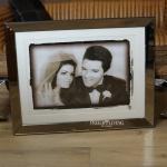 Priscilla & Elvis Presley Hochzeitsfoto im Spiegelrahmen Deko