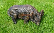 Wildschwein Figur fressend wühlend Sau Fekel Wald Statue Skulptur