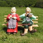 Oma & Opa auf Gartenbank Gartenfigur Figur Deko