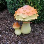 Pilz Steinpilz als Figur und Statue Garten Gartenfigur