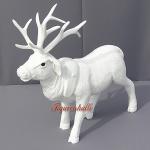 Winter Hirsch Albino als Dekofigur Figur Statue Skulptur