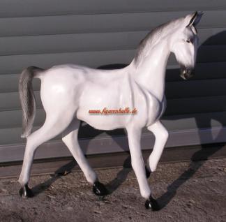 Dressurpferd Pferd Figur Statue Skulptur weiß