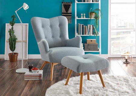 Sessel mit Hocker in hellblauem Webstoff