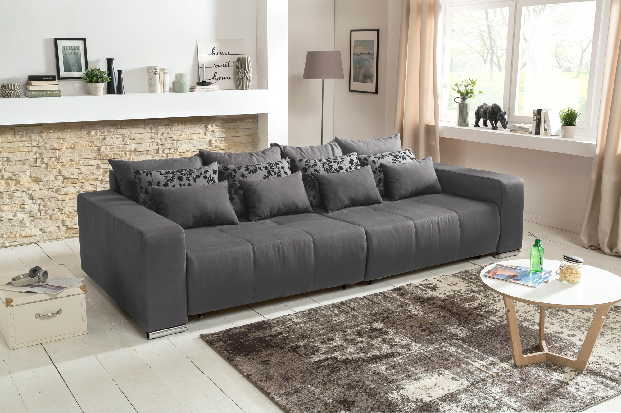 big sofa in grau mit schlaffunktion mega sofa kaufen bei lifestyle4living m belvertrieb gmbh. Black Bedroom Furniture Sets. Home Design Ideas