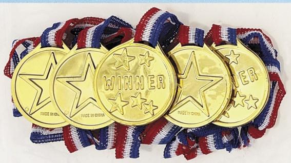 5 Medaillen aus Plastik am Band