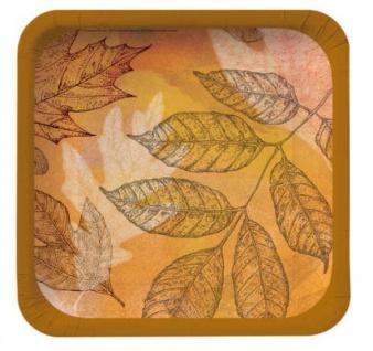 8 Teller Herbstblätter