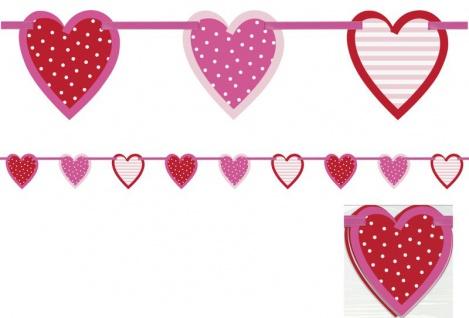 hängende Herzchen Girlande am rosa Satinband