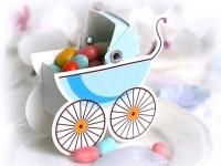 10 Karton Boxen in Kinderwagen Form hellblau für die Tischdeko, Gastgeschenke
