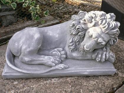 Steinfigur Schlafender Löwe Löwen seitlich Steinguss - Vorschau