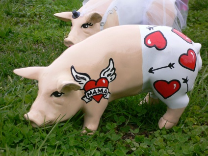 SCHWEIN Tattoo FÜR MAMA hand bemalt L30cm Designer Schwein Muttertag Herz Garten - Vorschau 1