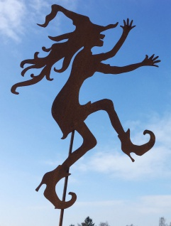 Junge Hexe tanzend Hexen 50 x 37 cm + Stab Rost Edelrost Metall Gartenstecker