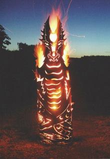 FEUERDRACHE 119cm Feuerkorb Feuersäule Drache Edelrost Rost Holzkohle Feuer