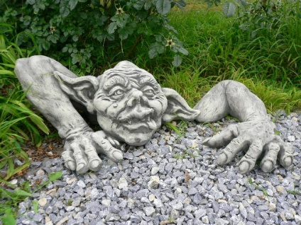 Troll Carlos jun. MAGNUS 65x50cm mit Arm Skulptur Steinfigur Steinguss Vidroflor