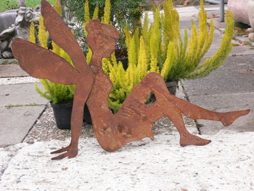 ELFE SITZEND 3D doppelarmig Rost Edelrost Metall Figur Rostfigur 53 x 70 cm FEE