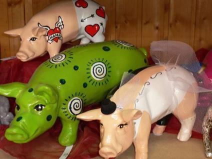 SCHWEIN Tattoo FÜR MAMA hand bemalt L30cm Designer Schwein Muttertag Herz Garten - Vorschau 3