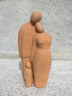 PAAR MIT 1 KIND Familie 21cm terrakotta terracotta Figur Hochzeit Liebe Geschenk - Vorschau 2