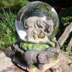 Kleiner Elefant Schneekugel mit Spieluhr 15 cm Skulptur Glas Figur Dekoration