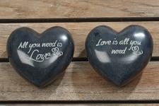 HERZ LOVE IS ALL YOU NEED SPECKSTEIN schwarz 8cm 2 Sorten Dekoration Deko Liebe