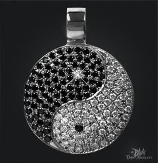 Yin Yang 950/000 Platin mit schwarzen und weißen Brillanten