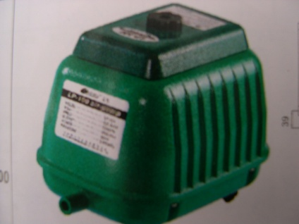 Membran- Luftpumpe 9000 L/h Belüfter Sauerstoffpumpe f Ausströmer Teich Koiteich