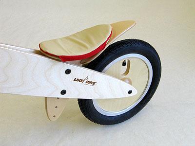 Ledersattel mit Stoffbefestigung für LIKEaBIKE Laufrad