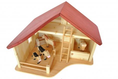 Pferdestall, Holzbauernhof mit Koppel