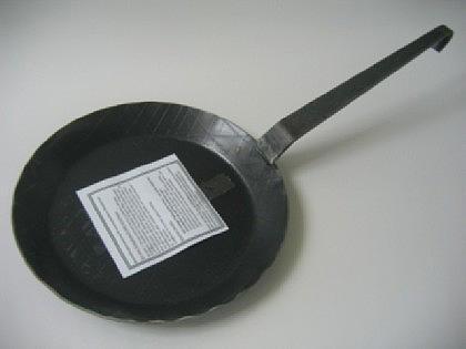 Eisenpfannen schmiedeeisern 3tlg mit Hakenstiel