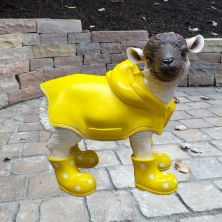 Figur Schaf Lamm gelbe Gummistiefel + Regenmantel Heidschnucke Garten Deko #352