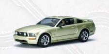 Ford Mustang GT Slotcar 1:24 von Autoart 14001