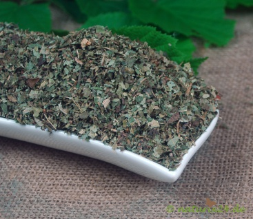 Naturix24 Haselnussblätter geschnitten 1 kg