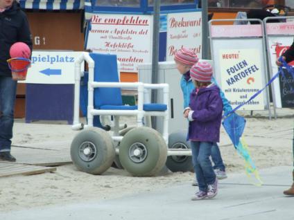 Sandy: Gehwagen Strandrollstuhl Gehtrainer Geländerollstuhl zerlegbar