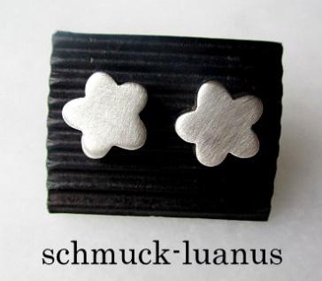 Ohrstecker Silber matt Blüte 9, 5 mm