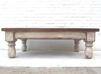 Asien Tisch 118x70x38cm schmutzweiße Pinie gedrechselte Füße