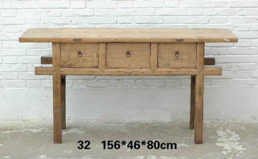 Massivholz Tisch aus China mit klarer Linienführung in Holzoptik