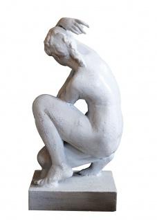 Skulptur weiblicher Akt Plastik klassische Moderne Gußeisen antikweiß
