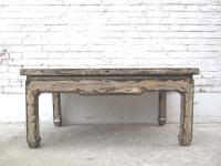 China shabby chic niedriger Tisch schlichte Form altweiss lackierte Pinie starke Gebrauchsspuren von Luxury-Park