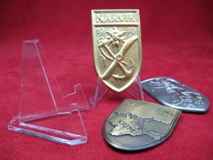 8 Mediumständer für größere Orden, Medaillen