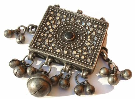 Grosser Kasten antiker Silber Anhänger Unikat Applikationen, Onyx, Silberkugeln