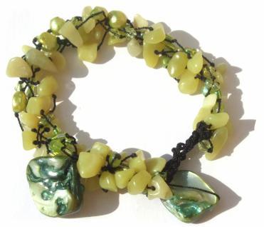 60x Serpentin 7x Perle 2x grüne Perlmuttchip Armband längenvariabel
