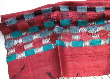 Schal 100% Rohseide 40 x 175 cm bordeaux mit Rechteckmuster
