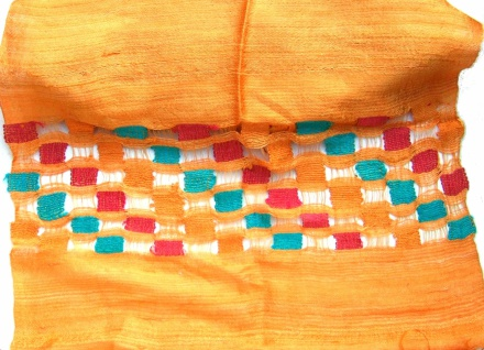Schal 100% Rohseide 40 x 175 cm orangegold mit Rechteckmuster