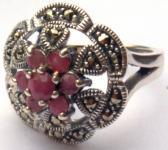 7 x facettierter Rubin 18 x Markasit 925 Silber Ring große Blume