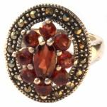 9x facettierter roter Granat 16x Markasit Silber Ring