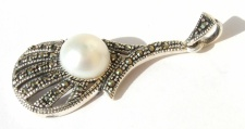 Perle weiß 17x Markasit 925 Silber Anhänger länglich