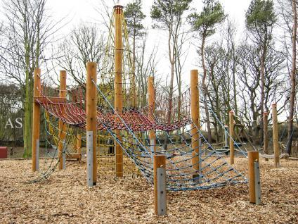 Huck Spielplatzanlage Lilse-Bergen Maxi Kletteranlage