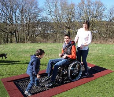 Hally-Gally Rollstuhl Trampolin Sprungmatte behindertengerecht Rollstuhltrampolin
