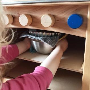 Schöllner Kinderküche Ofen Vario mit 4 Herdplatten für Spielküche Erlenholz Pantry für Kindergarten - Vorschau 2