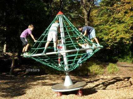 Hally-Gally Karussell Federkreisel Kletterturm Seilgerüst Kreisel Spielturm Kletterkarrussel Seilkarussel