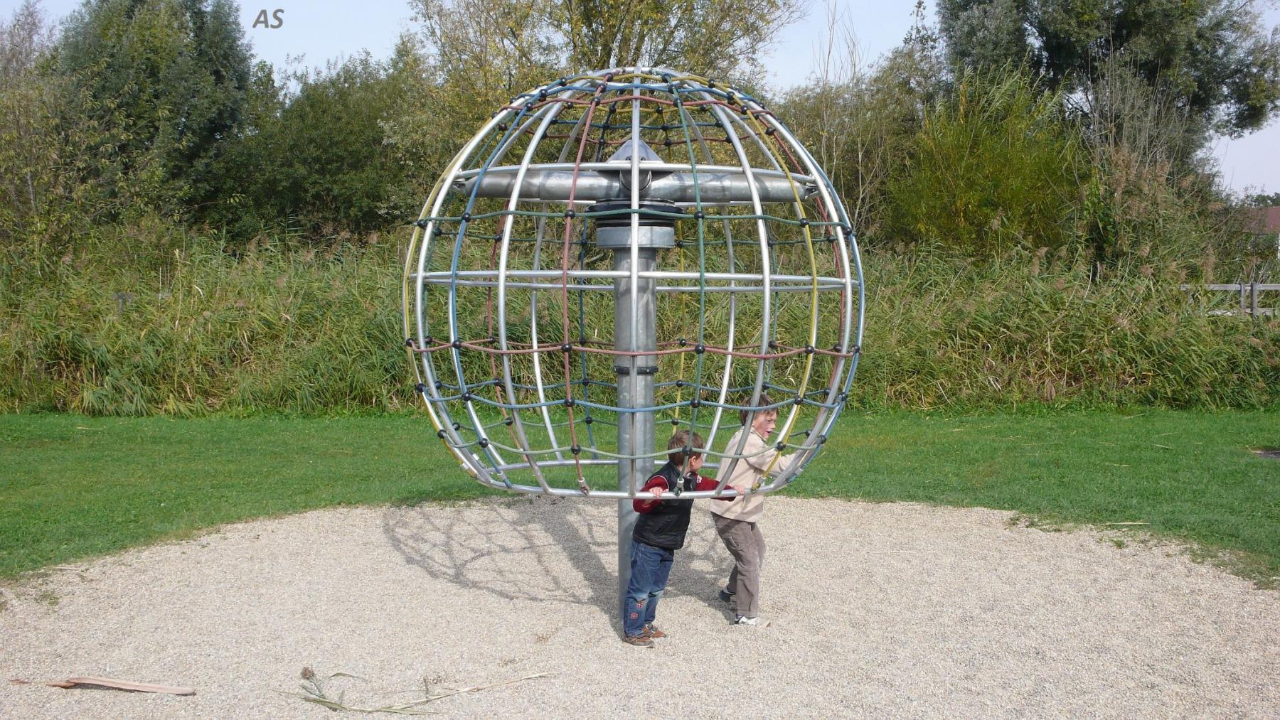 Hally-Gally Spogg Spielplatzgeräte Skylab Karussell Klettergerüst ...