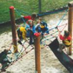 Huck Piratenburg Eiche-Pfosten Kletterpyramide